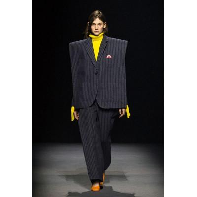 Мода, наполненная деконструктивизмом