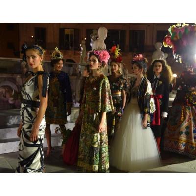 Dolce & Gabbana увековечили итальянский фольклор