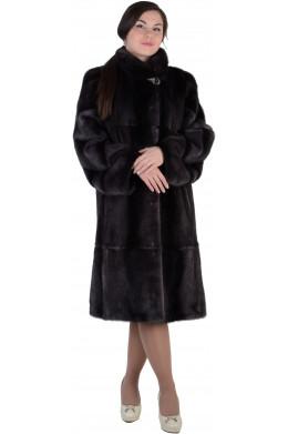 Модная шуба из норки цвета черной оливы