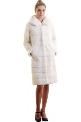 Модная шуба из норки поперечки белого цвета