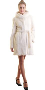Шуба из норки оттенка снежной ванили с капюшоном