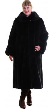 Длинная шуба из норки черного цвета с округлым воротником
