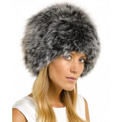 Меховые шапки по-прежнему в моде