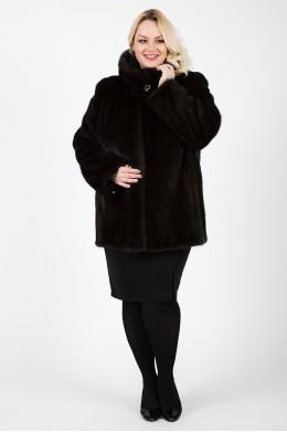 Норковая куртка цвета махагон