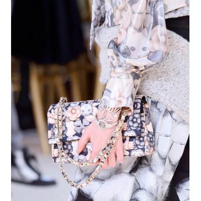 Chanel представляет новую коллекцию сумок и клатчей