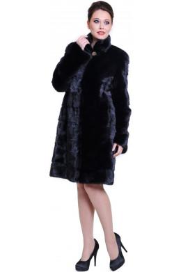 Модная черная шуба из норки поперечки средней длины