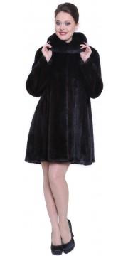 Короткая махагоновая норковая шуба с капюшоном расклешенного силуэта