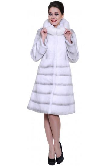 Шуба из кролика с капюшоном белого цвета