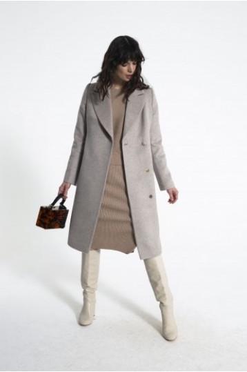 Демисезонное пальто цвета пудры