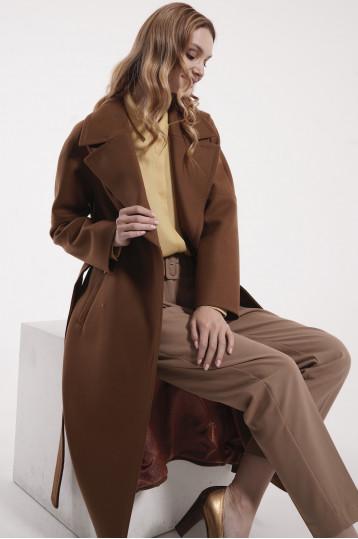 Демисезонное пальто цвета кэмел