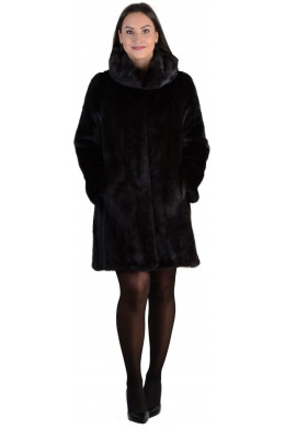 Модная норковая шуба с капюшоном цвета махагон