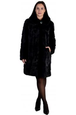 Черная шуба из норки средней длины с капюшоном и карманами