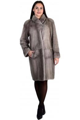 Модная норковая шуба прямого кроя серого цвета