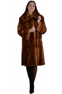 Модная норковая шуба с объемным воротником цвета виски