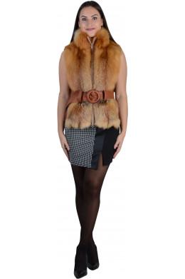 Рыжий меховой жилет из лисы с воротником стойка и поясом