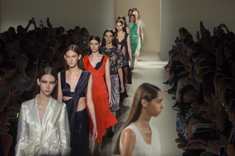 Виктория Бекхэм на Нью-Йоркской Неделе моды